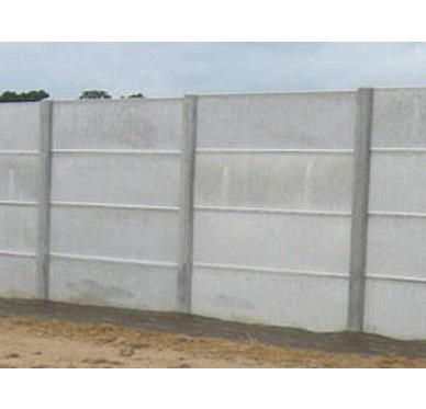 Poteau pour 4 plaques de clôture en béton