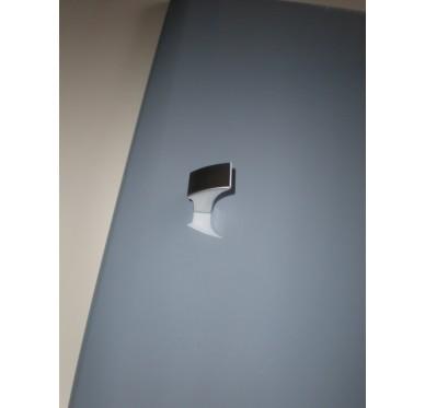 Bouton de porte de meuble déporté chromé mat