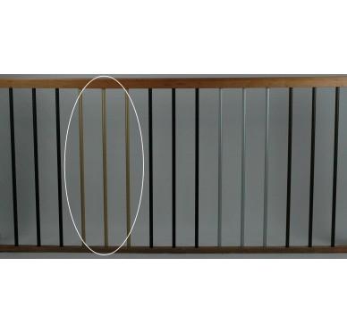 Rampe pour escalier quart tournant bas hauteur 280 cm reculement 280 cm avec marche débordante aluminium vertical champagne